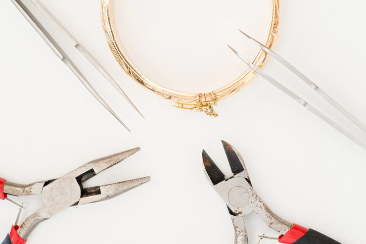How to Find the Best Jewelry Repair Near You